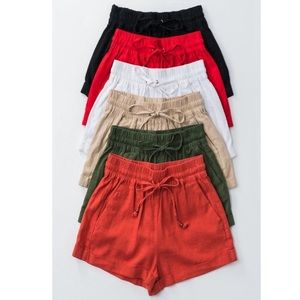 Host pick ⭐️ 6.28.19 Black linen shorts